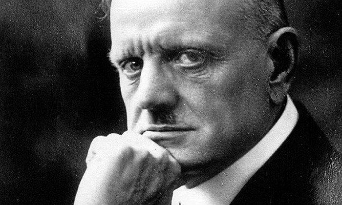 Sibelius_700