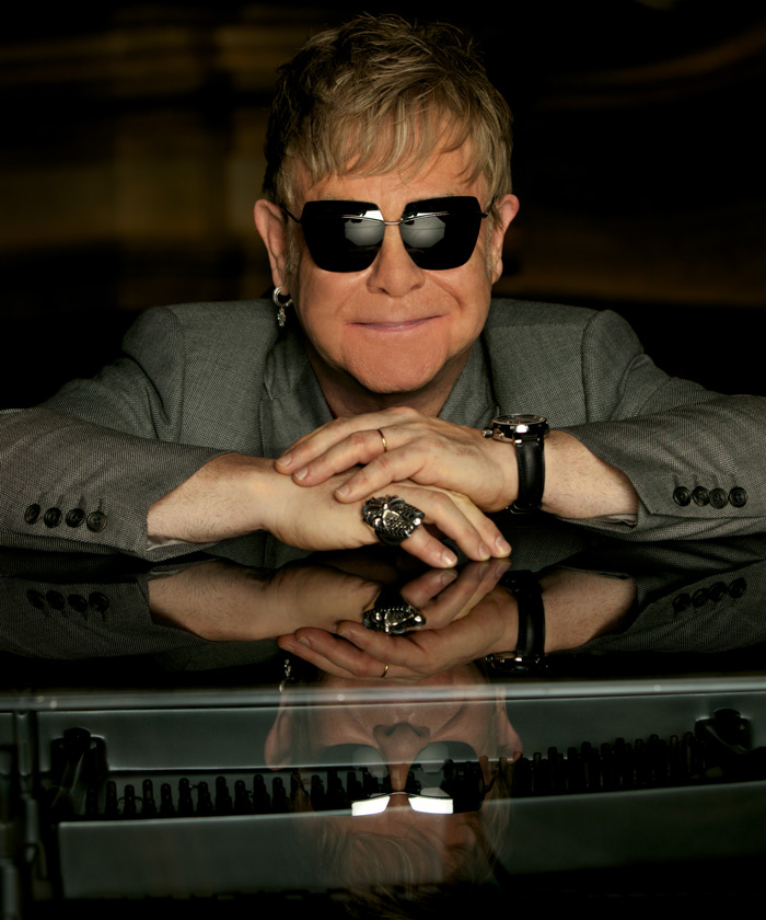 Elton2_700