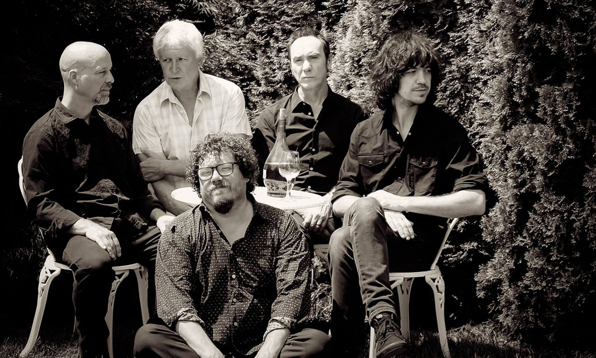 "Guided By Voices Reaches Into 'Suitcase 3′ for ""That's Good"""