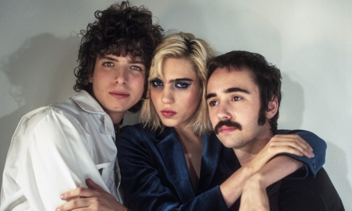 "Sunflower Bean Shares a Playlist of ""Friend Songs"""