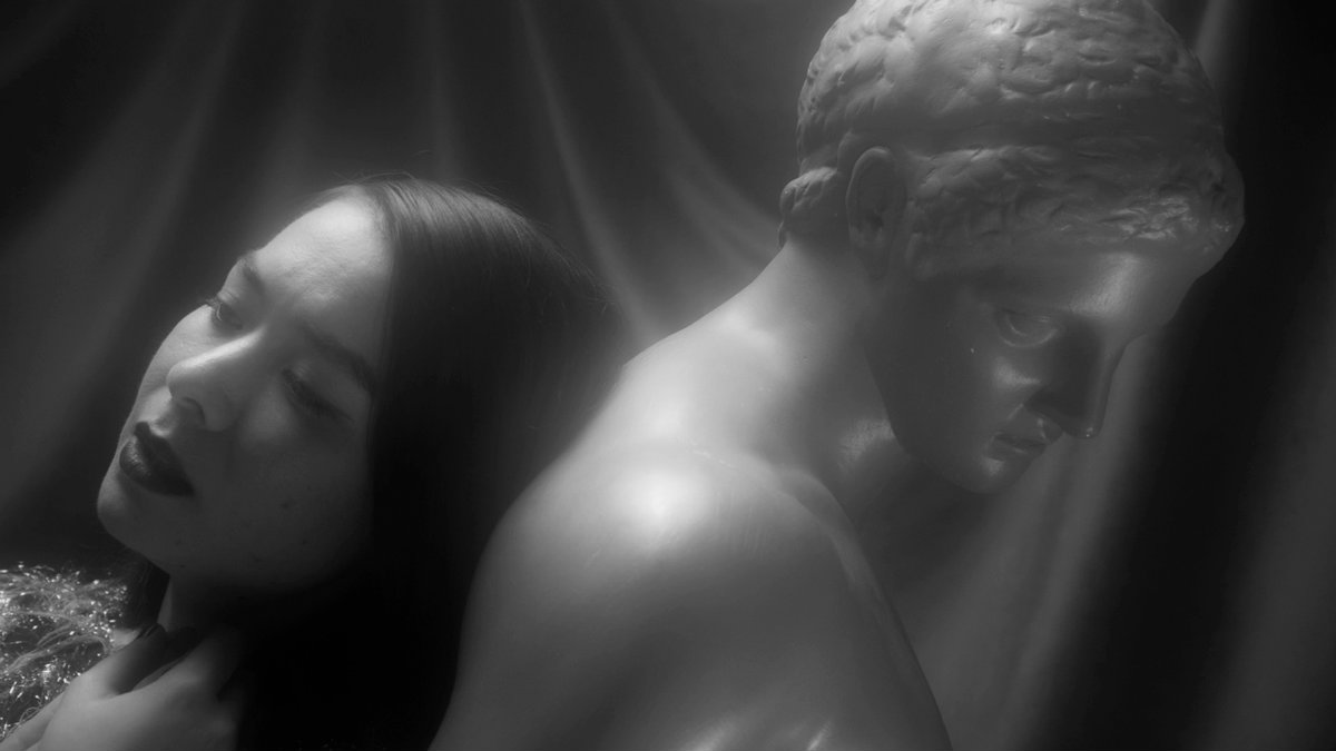 "Mitski Premieres Stunning New Video for ""Washing Machine Heart"""