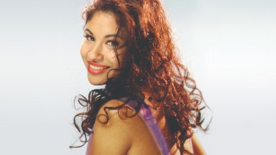 Remembering Selena's 'Amor Prohibido' 25 Years Later